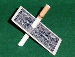 סיגריה דרך קלף 134